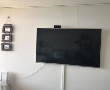 Chile - LED TV hanging system